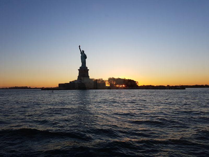 Die Freiheitsstatue am Abend