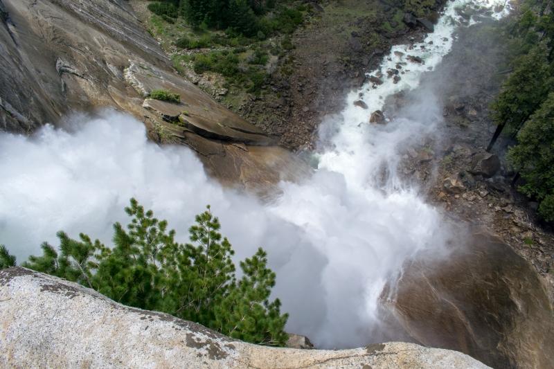 Sicht auf die Nevada Falls von oben